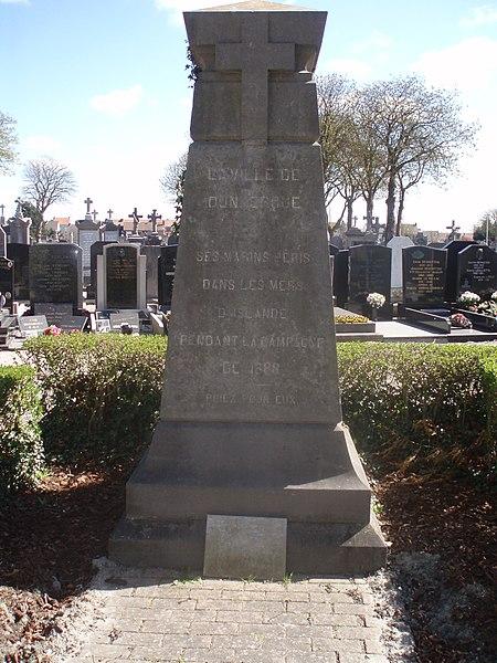 Monuments aux morts des marins péris en mer d'islande lors de la campagne de 1888