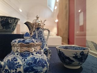 Iziko sang Chinese under glaze blue porcelain tea bowl.jpg
