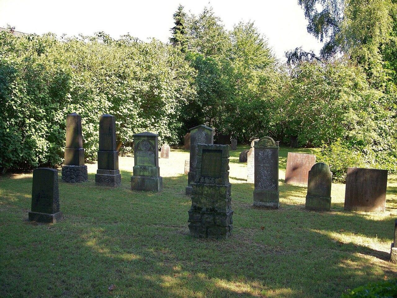 Jfriedhof stodo.jpg