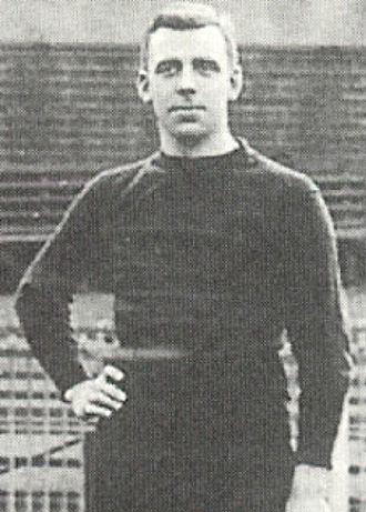 Joe Pearce (footballer) - Image: Joe Pearce (1912)