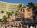 Joni's Pink Hotel, Waikiki - panoramio.jpg