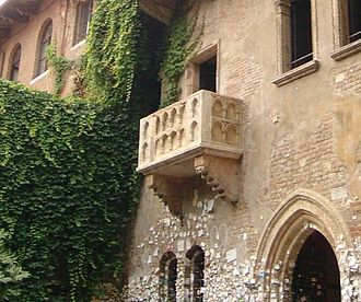 Juliet - Juliet's purported balcony, in Verona. Beneath it, on the walls, there are love letters.