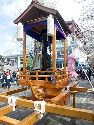 Kanamara Matsuri - Image: Kanamara mikoshi 2