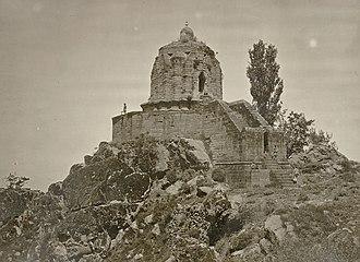 Shankaracharya Temple - Image: Kashmir. Temple of Jyeshteswara Shankaracharya , on the Takht i Suliman Hill, near Srinagar. Probable date 220 B.C. 1