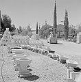 Keramiekfabriek in Bersjeba Opslag van keramische produkten waaronder wc-potten, Bestanddeelnr 255-4356.jpg