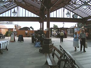 Kidderminster Town railway station - Inside the station concourse