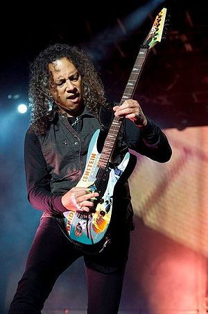 Kirk Hammett - Hammett performing live in Mexico in 2010