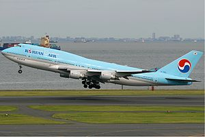 Korean Air Boeing 747-400 KvW.jpg