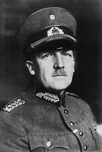 Kurt von Schleicher - Schleicher in 1932