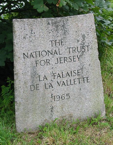 File:La Falaise de la Vallette 1965 Jèrri.jpg