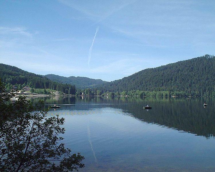 File:Lac de gerardmer.jpg