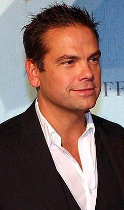 Lachlan Murdoch in May 2013.jpg