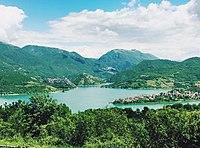 Lago del Turano panorama 01.jpg