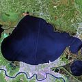 Lake Pontchartrain and New Orleans April 26 2000.jpg