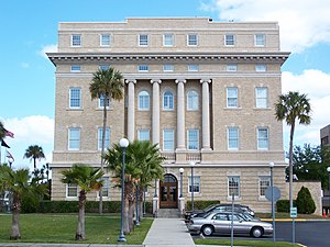 Old Lake County Courthouse (Tavares, Florida) - Image: Lakectych Tavares 01