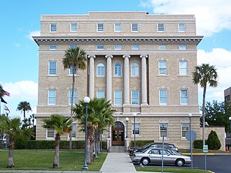 Tavares, Florida - The Old Lake County Courthouse in March 2007