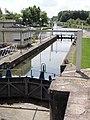 Landrecies (Nord, Fr) écluse Canal de la Sambre à l'Oise.jpg