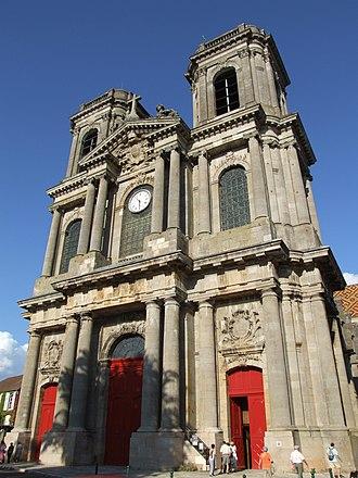 Langres - Image: Langres cathédrale Saint Mammès façade 2