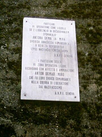 Lapide in memoria di Anton Ukmar, comandante partigiano in Liguria