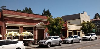 Larkspur Downtown Historic District - 464 Magnolia and, on the right, the Silver Peso/Bob's Tavern