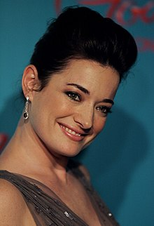 Laura Michelle Kelly (8532911311).jpg