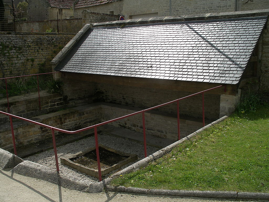 Lavoir Fontaine-Henry.JPG