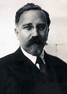 Lev Kamenev 1920 (recortado) .jpg