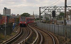 Limehouse station MMB 03 02.jpg