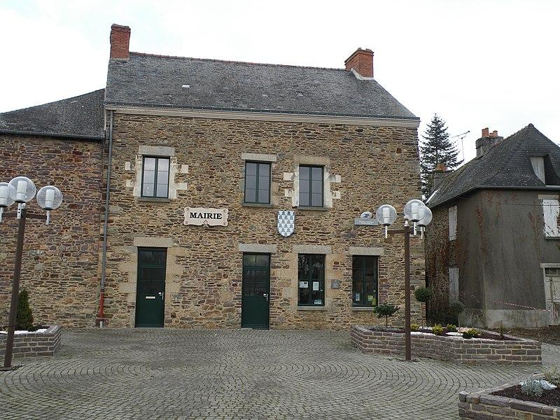 Town hall of Lohéac.