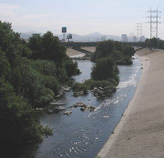 Los Angeles River - Looking east (downstream) at the Glendale Narrows. Unlike most of the river, this stretch has an earthen bottom.