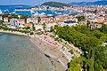 Luftbild von der Bucht Bacvice in Split, Kroatien (48608234468).jpg