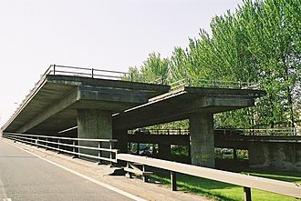 "M8 motorway (Scotland) - This stub in the Tradeston area, popularly known as the ""ski-ramp"", is the abandoned interchange for the southern flank of the Glasgow Inner Ring Road"