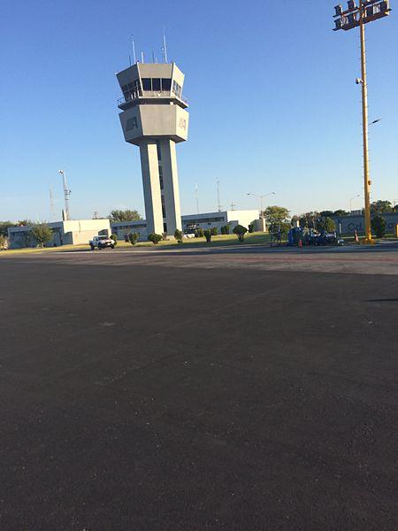 Lapangan Terbang Antarabangsa Gral Pedro Jose Mendez