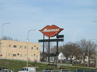 Kennedy Expressway - Magikist Lips sign formerly located on the Kennedy Expressway at Montrose Avenue in Chicago, torn down in 2004