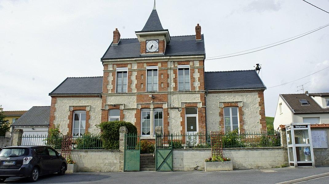 St-Eupraise-et-Clariset, vue de la mairie.