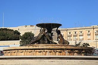 Triton Fountain (Malta) - The Triton Fountain, before restoration, in 2017