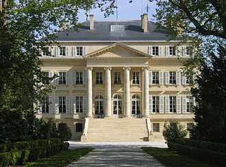 Bordeaux wine - Image of the exterior of the Bordeaux wine estate Château Margaux
