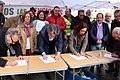 Marta Higueras en la firma de-BlindarLasPensiones en la Constitución 02.jpg