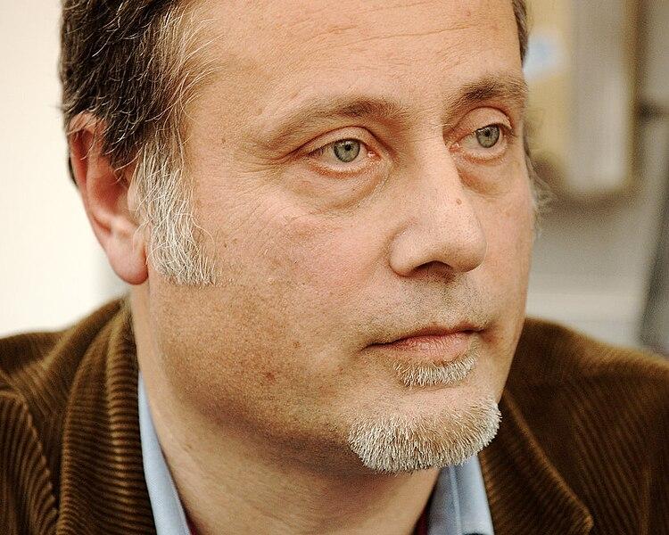 File:Massimo Carlotto in Trento 2009 01.jpg
