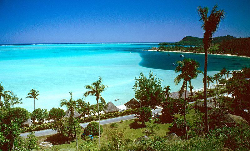 جــــزيــــــــرة Bora-Bora الســــــاحـــــرة 800px-Matira_Beach%2