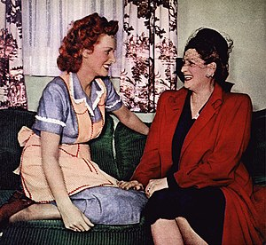 Maureen O'Hara - O'Hara with her mother, Marguerite FitzSimons in 1948