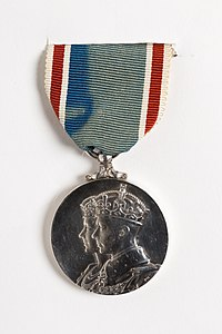 Medal, commemorative (AM 2001.25.2.7-1).jpg