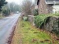 Milestone at New Inn - Chepstow 6 miles - geograph.org.uk - 203123.jpg