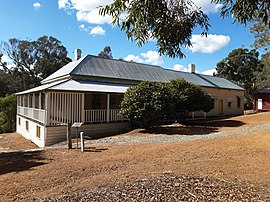 Mill Manager's Residence, Jarrahdale, April 2020 02.jpg