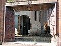 Mirostowice D. Ceramika. Portal ze scenami przedstawiającymi produkcję cegły klinkierowej. - panoramio.jpg