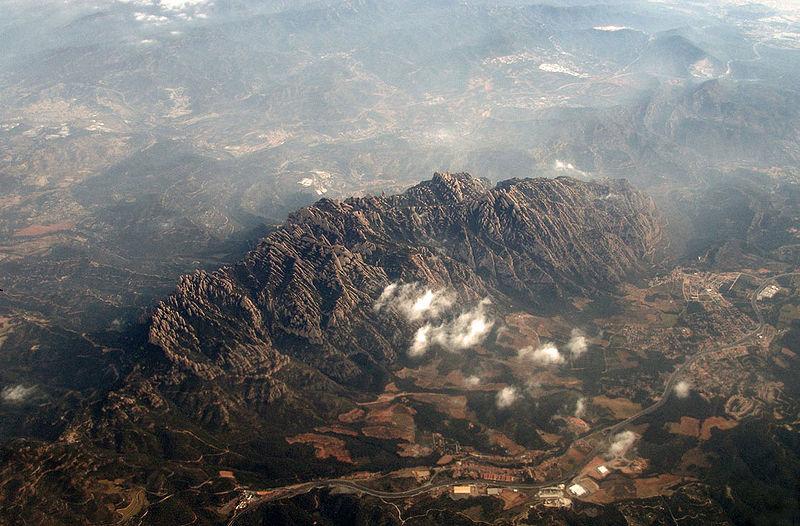 File:Montserrat-aire.jpg