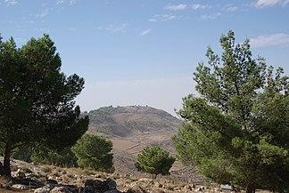 Berg Nebo, von Osten aus einer Entfernung von 1,4 km