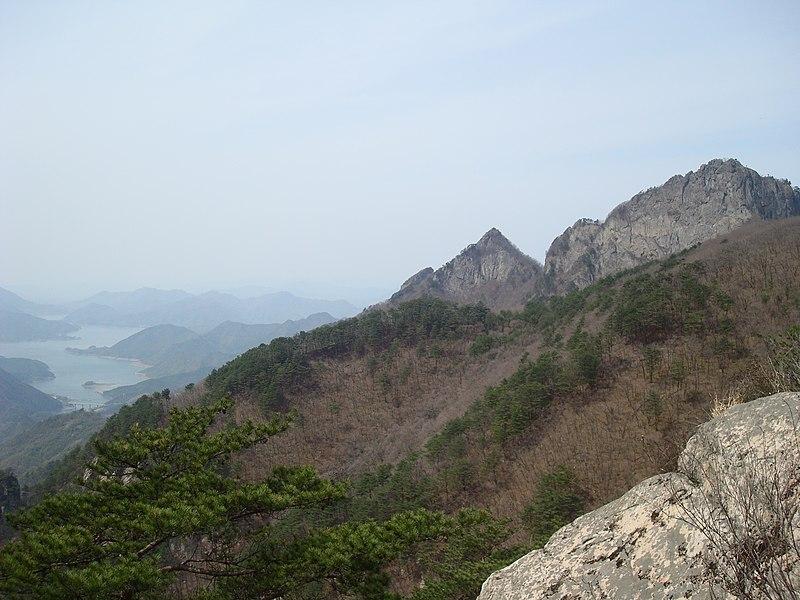 File:Mount Worak Korea 242.jpg