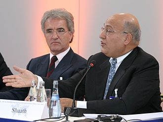 Nabil Shaath - Nabil Shaath (R), 2004