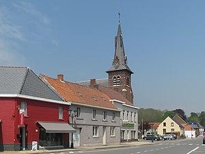 Zwalm - Image: Munkzwalm, de parochiekerk Sint Mattheus oeg 45198 plaatsen foto 1 2013 05 07 13.23